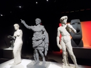 Patung-patung klasik dari Lego